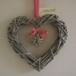 Shabby Chic Willow Heart Red